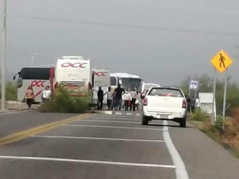 Habitantes de Puente Madera inician bloqueo carretero; tramo Juchitán-Tehuantepec