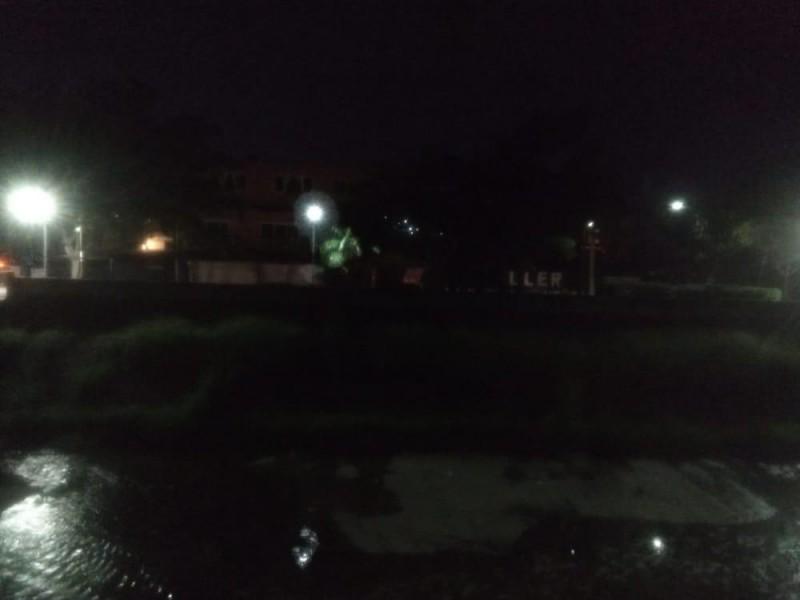 Habitantes piden a Servicios Públicos reparar luminarias en Parque Lineal