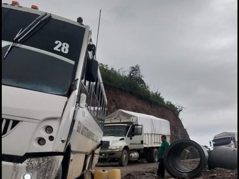Habitantes serranos denuncian destrucción de caminos en La Yesca