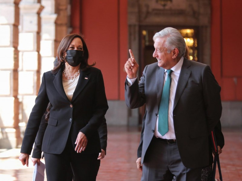 Hablarán AMLO y Kamala Harris; espera más vacunas de EU