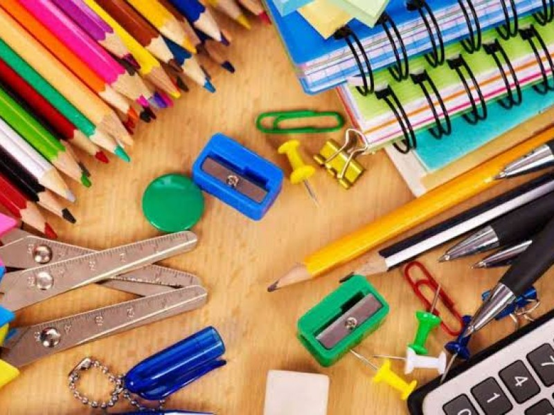 Hacen colecta de útiles escolares para niños en situación vulnerable