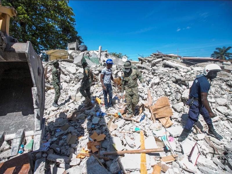 Haití supera el millar de muertos tras terremoto