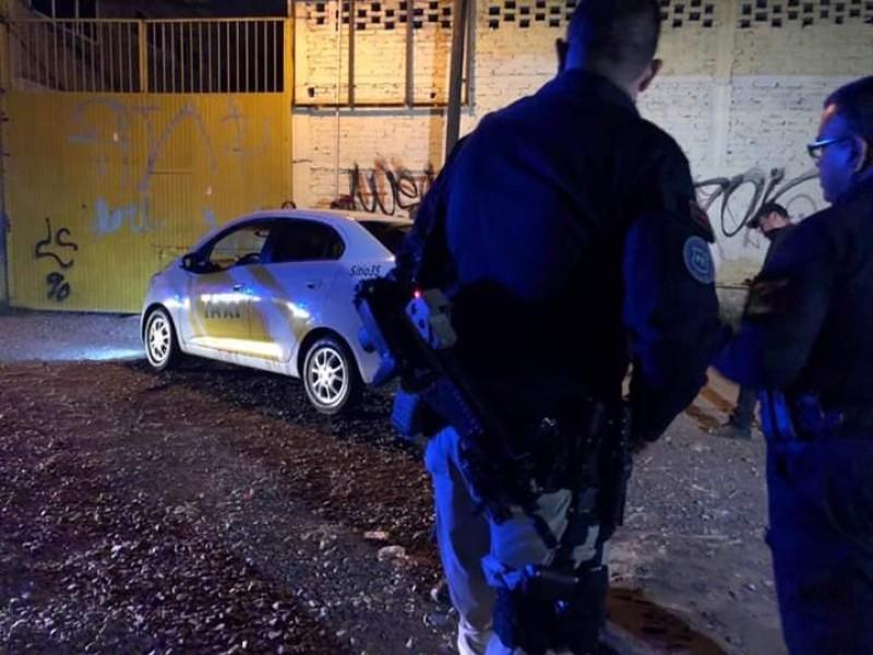 Hallan a taxista muerto en Tateposco