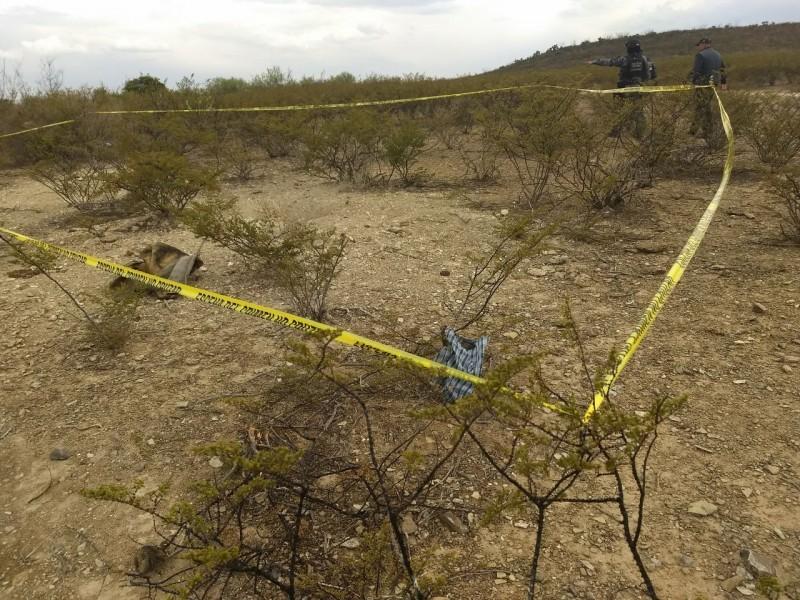Hallan cuerpo semienterrado en Tonalá