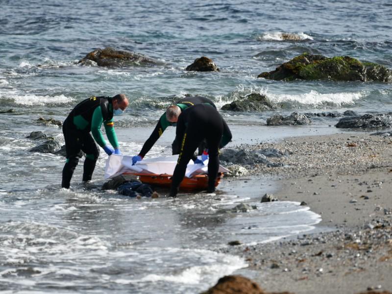 Hallan cuerpo sin vida de inmigrante, en playa española