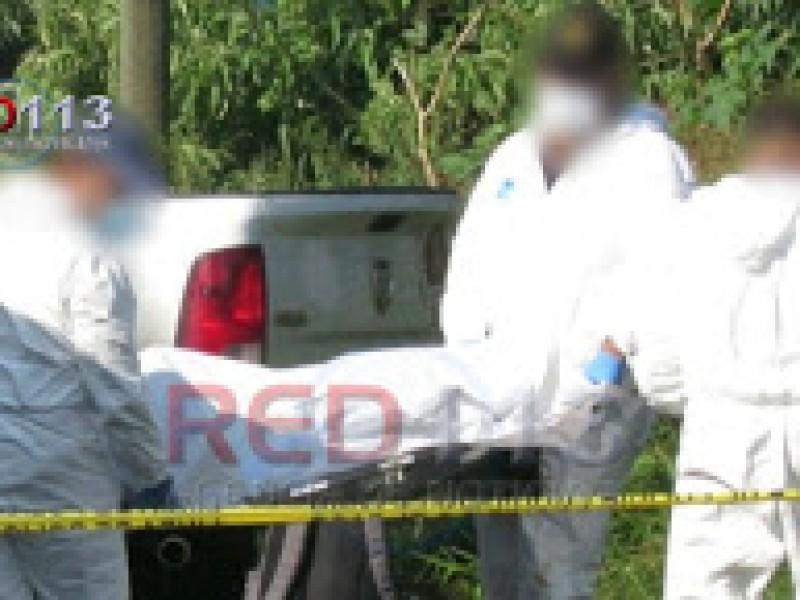 Hallan dos hombres asesinados sobre la Pátzcuaro-Uruapan