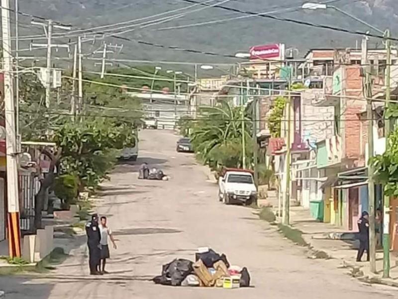 Hallan feto entre basura en colonia Juárez de TGZ
