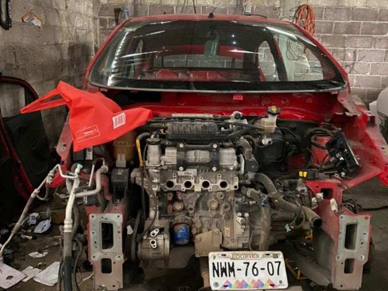 Hallan siete vehículos robados en Tultitlán, Estado de México