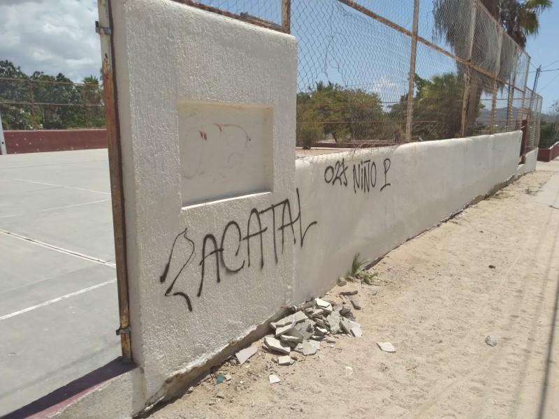 Hasta 100 umas por grafitear paredes