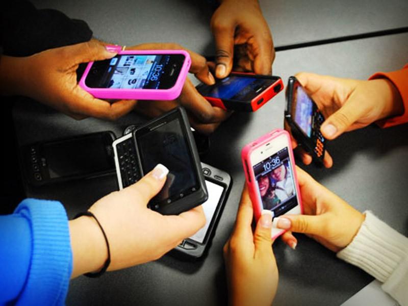 Hay más celulares que personas, aumenta uso en un 70%