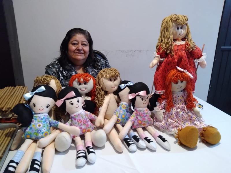 Rifa muñecas para hacer posada a niños seris
