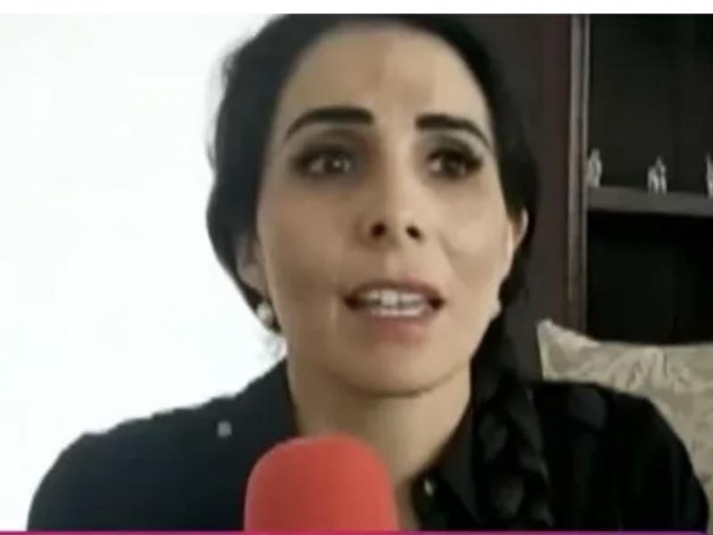 Hija de candidata asesinada la sustituye en campaña