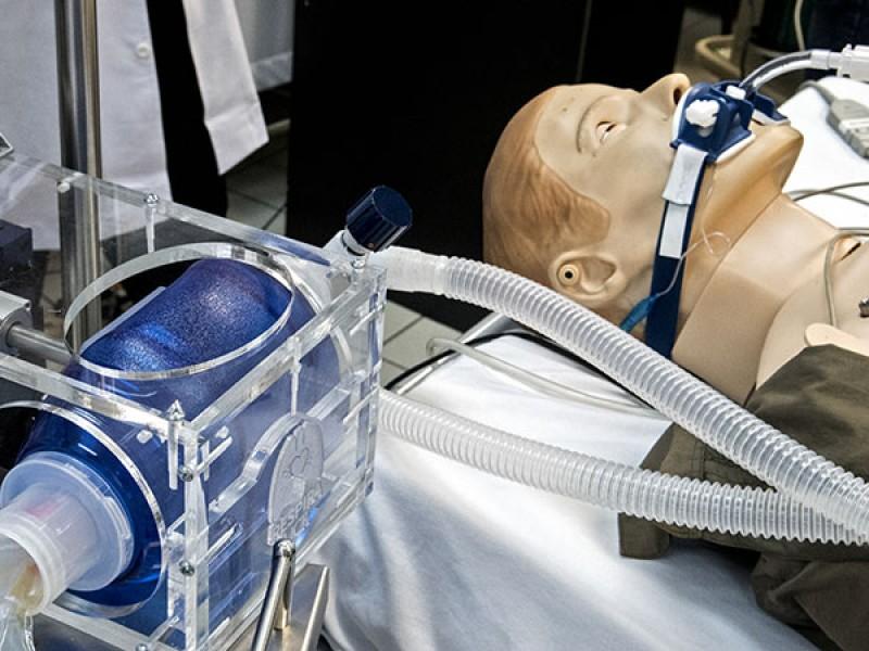 Hijo de Bartlett responde investigación ventiladores