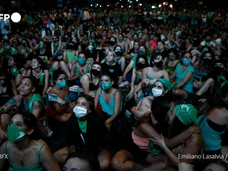 Histórico, Senado argentino legaliza el aborto