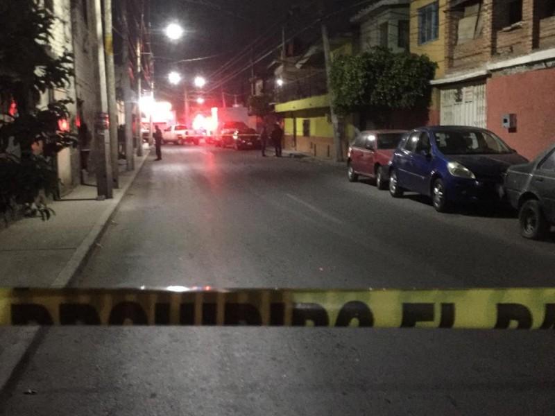 Hombre muere tras riña en Carrillo