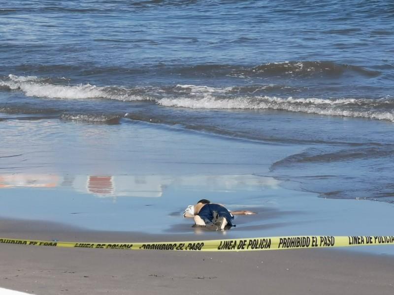 Hombre se ahoga en playa Regatas de Veracruz