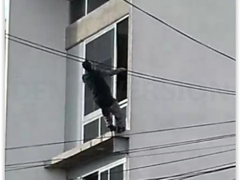 Hombre se arroja desde el tercer piso de un edificio