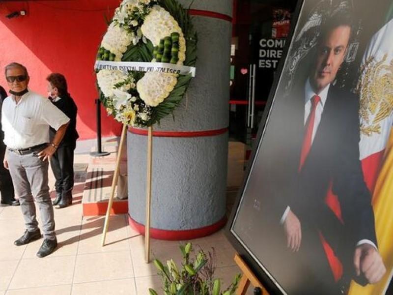 Homenaje a Aristóteles Sandoval une a políticos contra la violencia