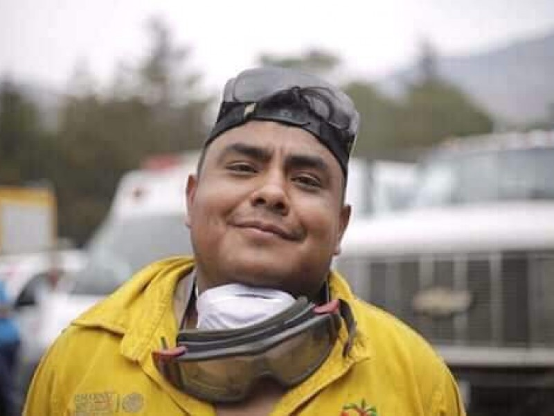 Homenaje a brigadista fallecido en explosión helicóptero SEDENA