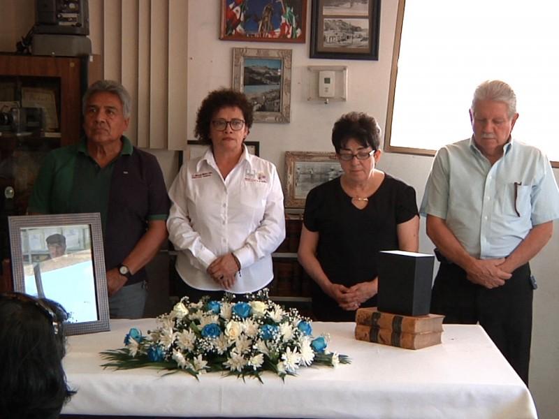 Homenaje póstumo a cronista Fernando Alberto Suárez Barnett