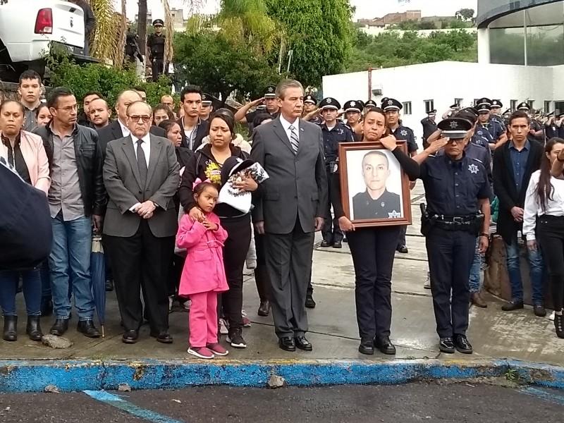 Homenajean a comandante asesinado.