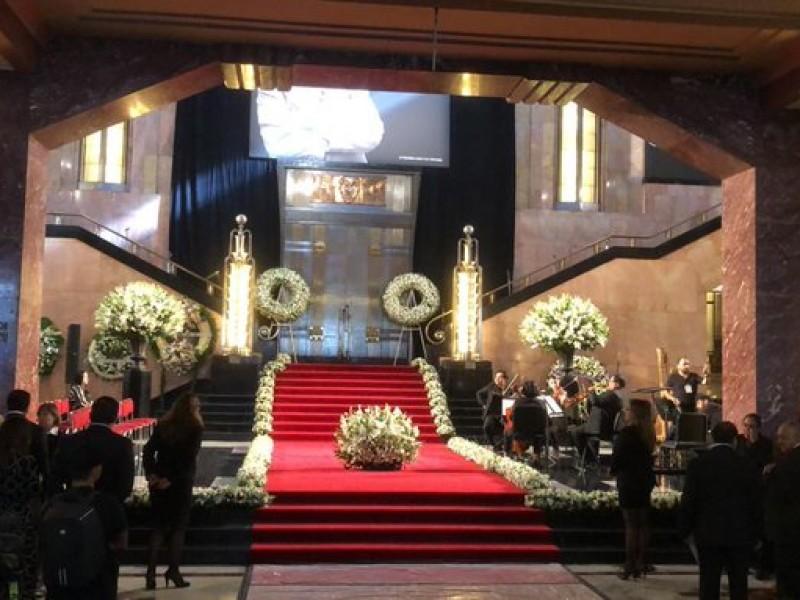 Realizan homenaje a José José en Bellas Artes