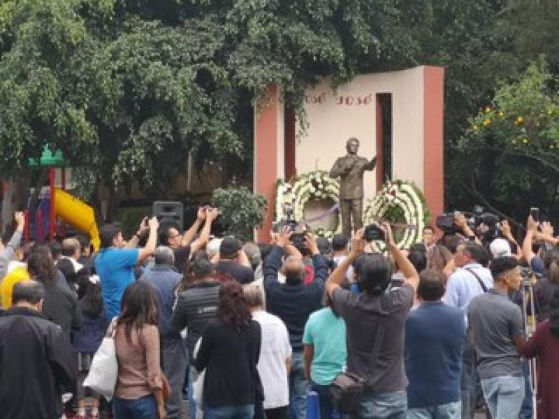 Homenajes a José José en la CDMX