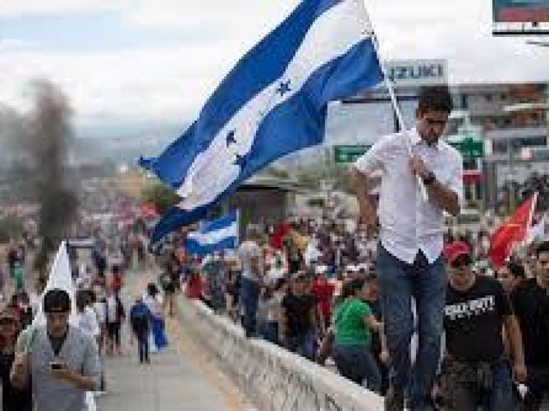 Honduras recibe 2021 entre crisis económica y social
