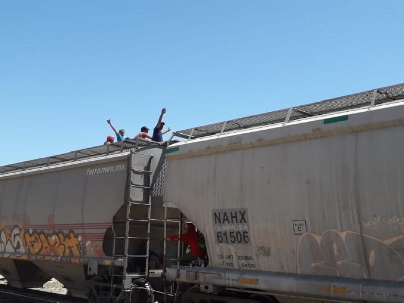 Hondureños viajan a Mexicali por