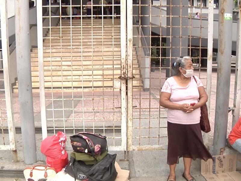 Hospital Regional desaloja a familiares de paciente por Coronavirus