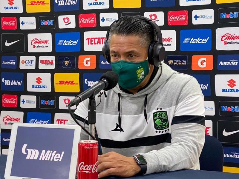 Hospitalizan a Ignacio Ambriz