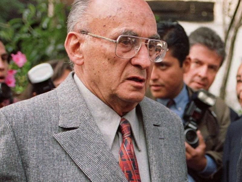 Hospitalizan al expresidente Luis Echeverría