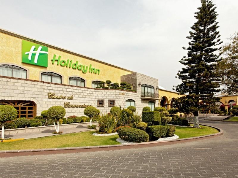 Hoteleros registran cancelaciones por COVID-19