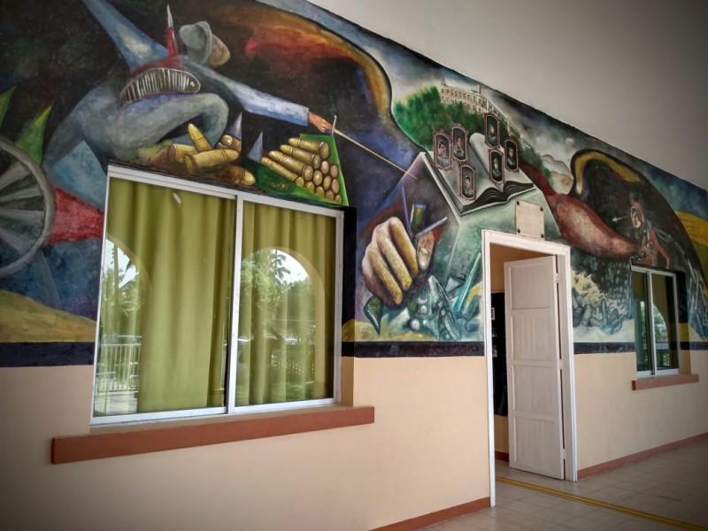 Humedad y Salitre, principales amenazas de murales