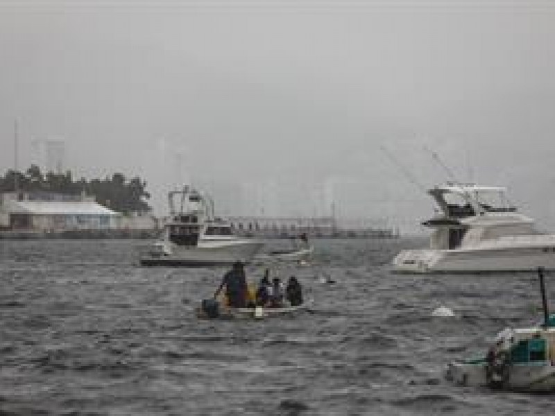 Huracán Enrique se intensificará en las próximas horas.
