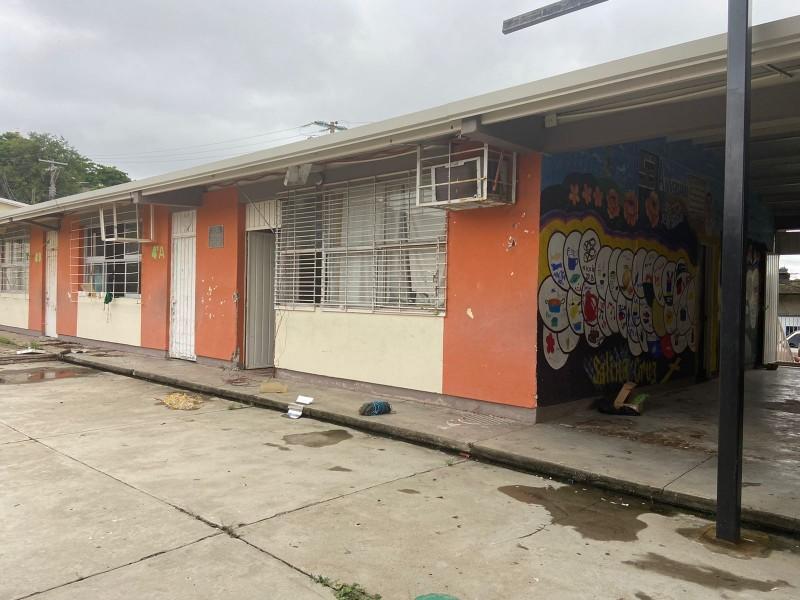 Hurtan y vandalizan escuela primaria Jesús Rasgado