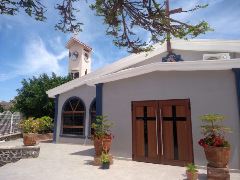 Iglesias se preparan para dìas santos