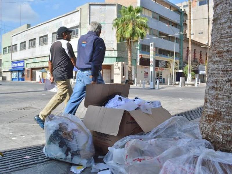Ignoran nuevo horario de recolección de basura