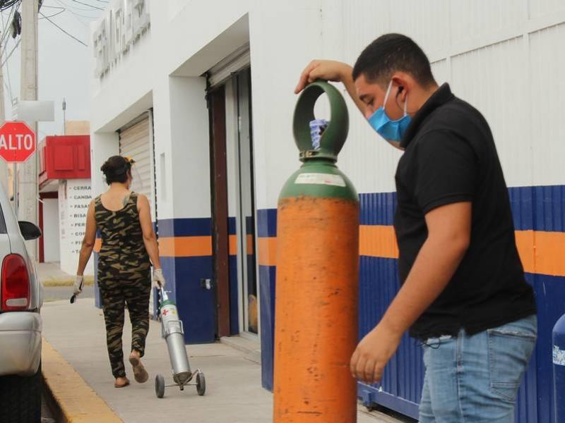 Igual que la ivermectina, escasean tanques de oxígeno medicinal