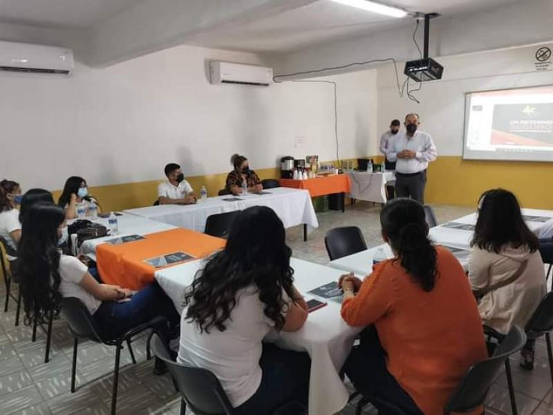 Imparten talleres a instituciones dedicadas al resguardo de menores