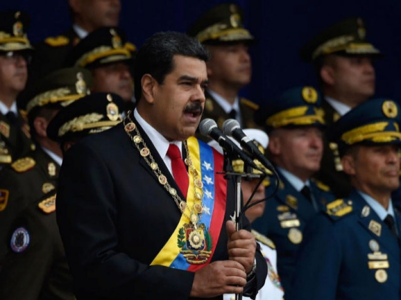 Implica Maduro a presidente Santos en atentado