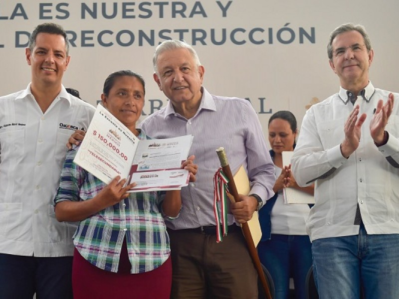 """Impulsa AMLO en Oaxaca """"La escuela es nuestra"""""""