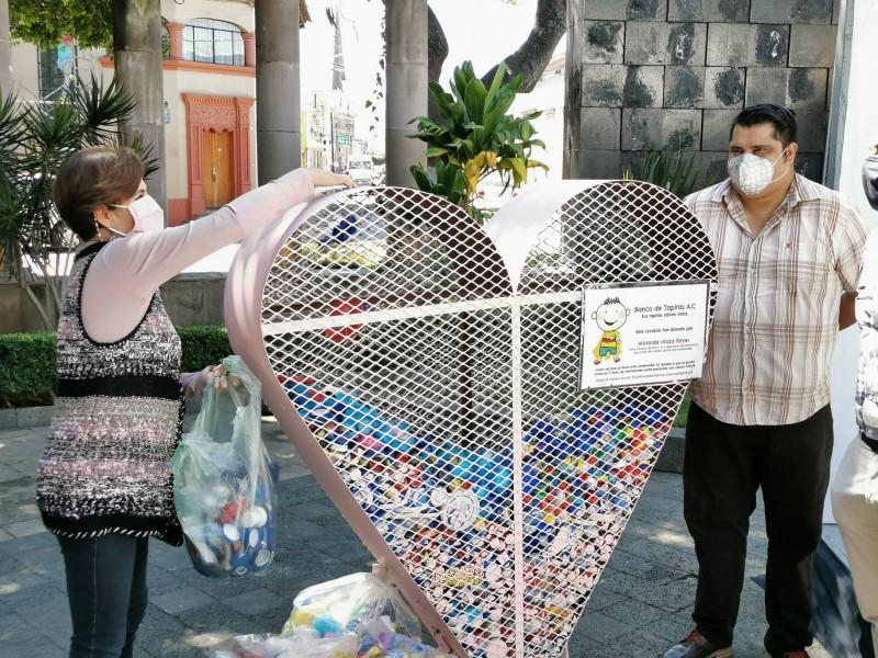 Impulsan colecta de tapitas para tratamientos de niños con cáncer