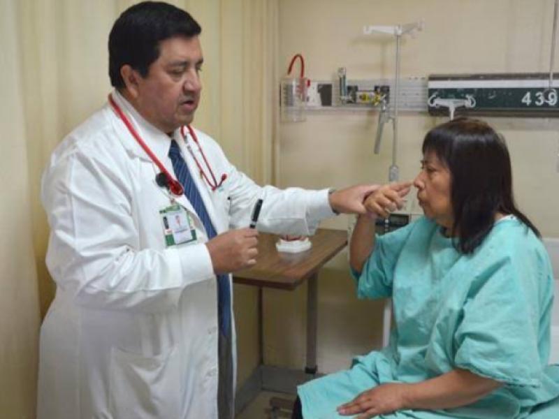 Exhortan a médicos especialistas laborar en el IMSS