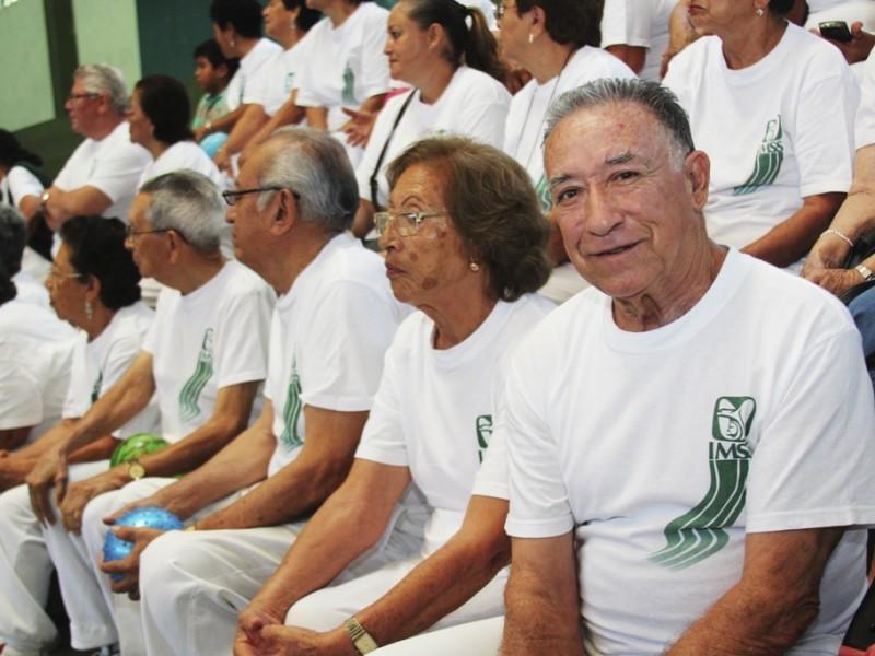 IMSS mejora estilo de vida del adulto mayor