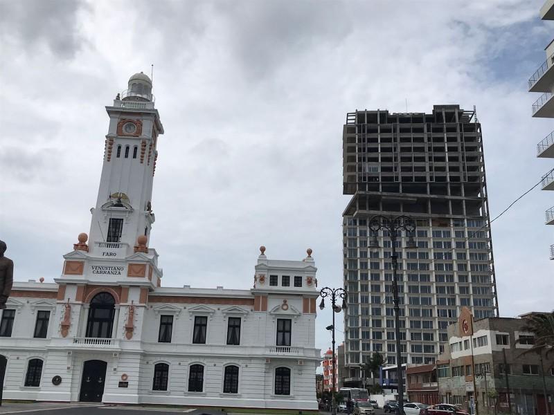 INAH sí aprobó desarrollo arquitectónico de torre: Alcalde