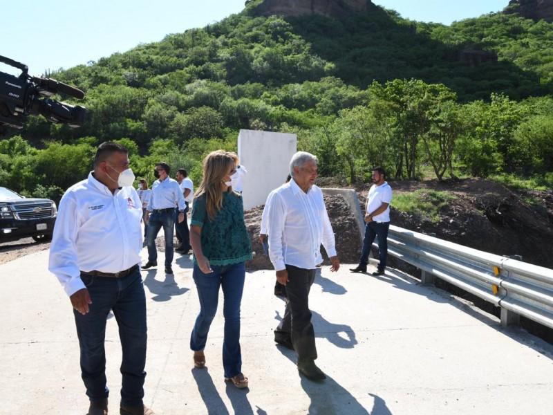 Inaugura AMLO presa Pilares
