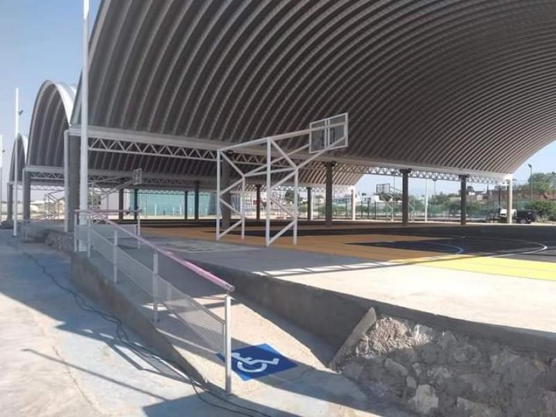 Inauguran canchas en Polideportivo