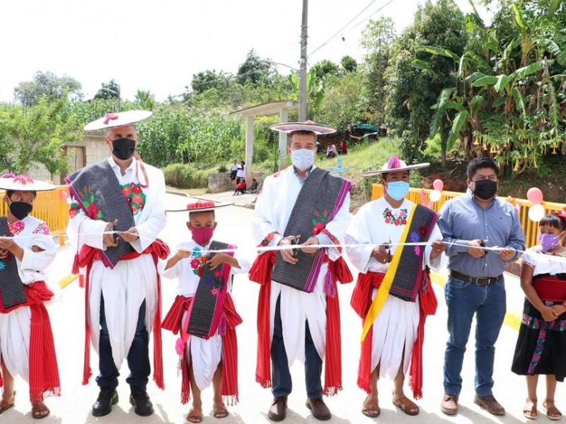Inauguran casa de la cultura en Huixtán