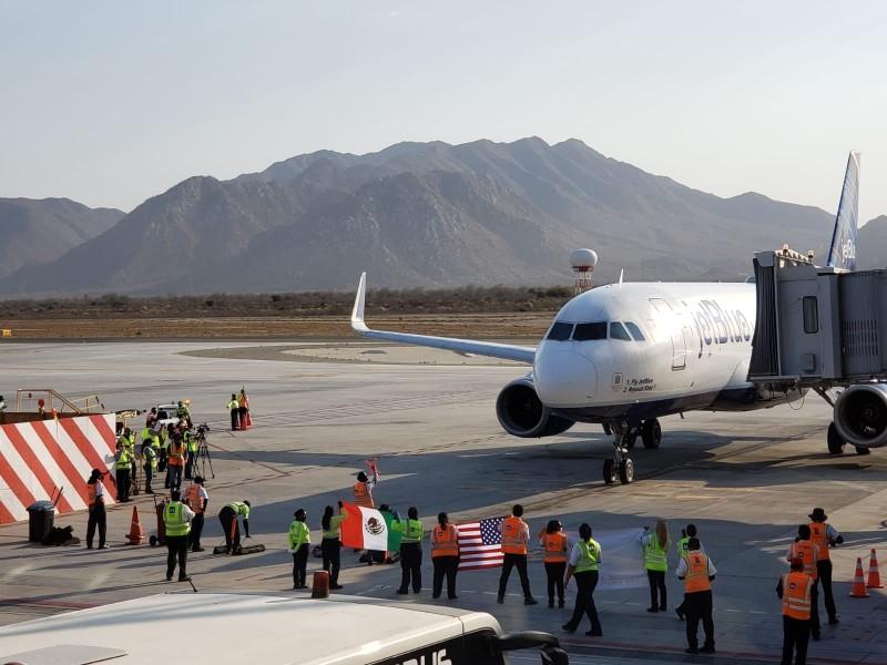 Inauguran dos nuevos vuelos procedentes de Los Ángeles y Nueva York